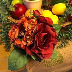 FREE Beautiful small floral arrangement 🌺